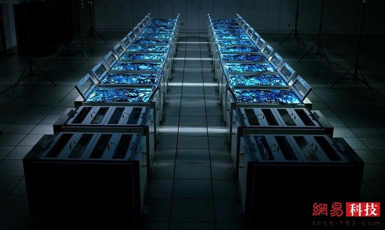 晓光(Gyoukou):用于日本海洋地球科学与技术机构的研究,这台新进入榜单的超算使用了高密度、节能的浸入式冷却系统。处理器核心:19860000个最大性能(Linpack基准测试):19.1PFLOPS内存:575552GB能耗:1350.2千瓦