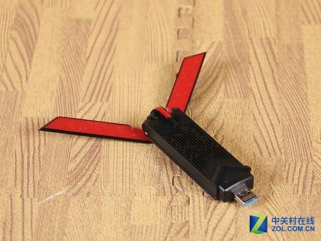 华硕USB-AC68也是款802.11AC无线网卡,其双频并发最高无线速率可达1900Mbps。