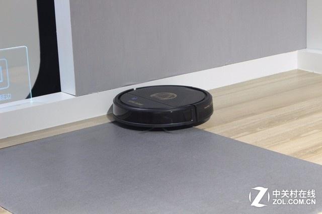 家务活全包了!CESA科沃斯推出新品智能机器人